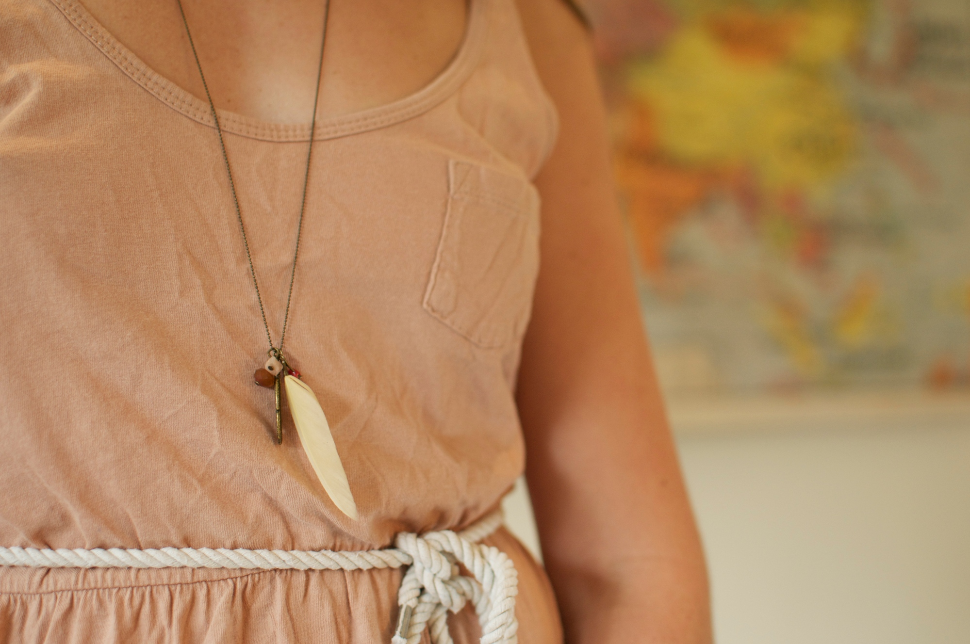 collier long chaine pierre plume laion  fin