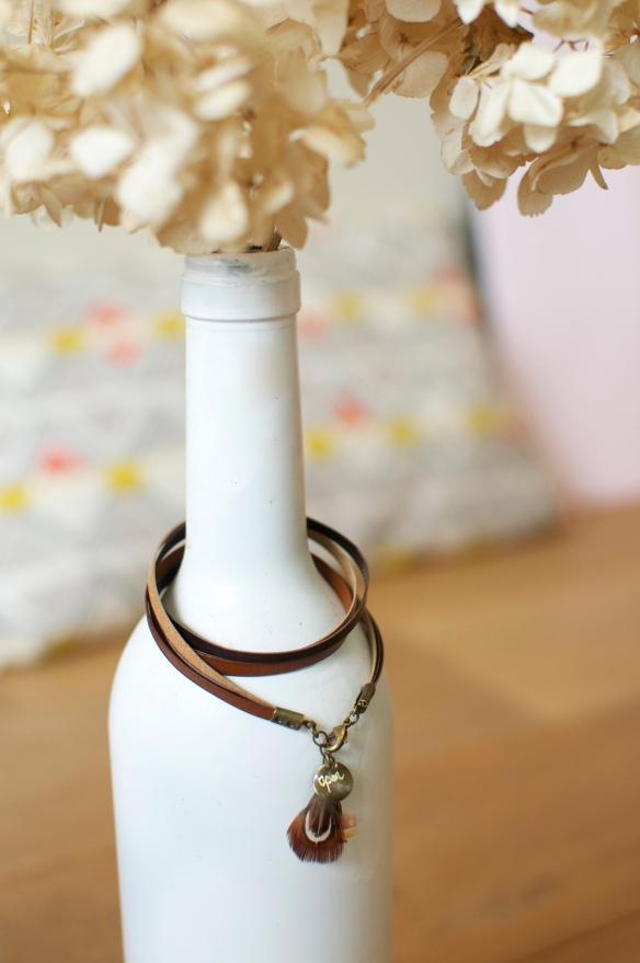 Bracelet trois fois lien cuir  bijoux apoi plume pierre