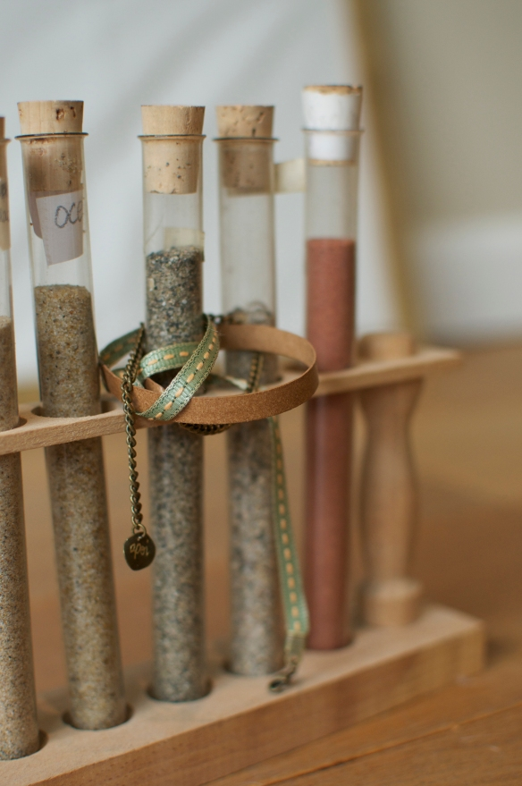 Bracelet en pointillés - Bijoux apoi - cuir chaine laiton