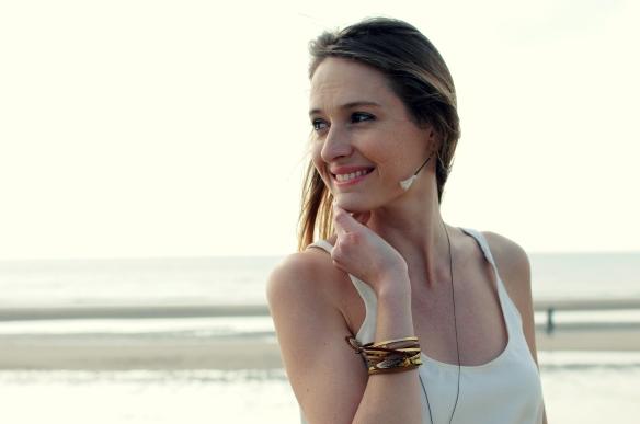 bracelet cuir plume pierre jaune